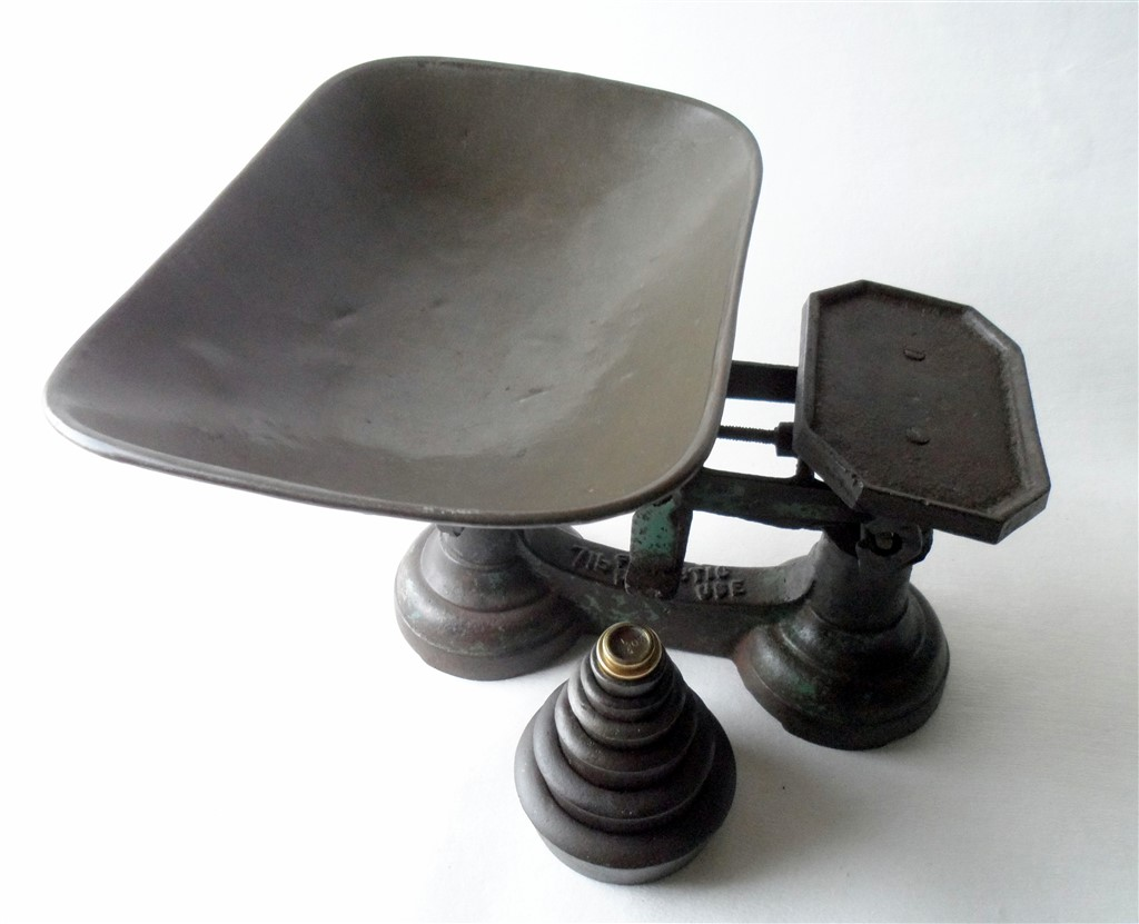 Retro Kitchen Scales Uk Vintage Kitchen Domestic Use Cast Iron Weighing Scales With