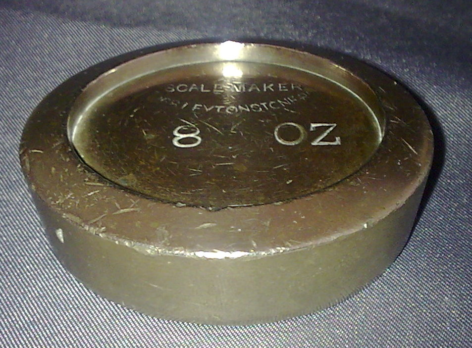 Single Vintage George V F Quiney Brass Shop Weight 1 2lb