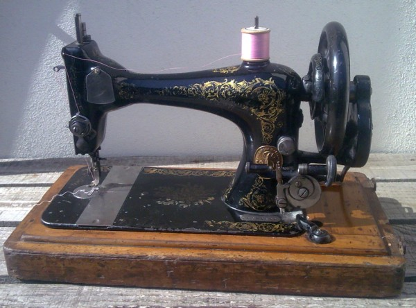 Value Of A Singer Sewing Machine By Serial Number Nurawindow S Blog