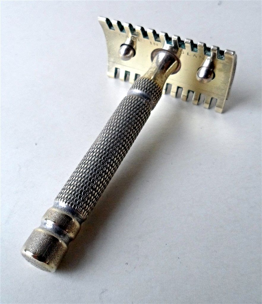 11fd971a0ed Vintage Shaving 3 Piece Brass Open Comb Safety Razor Made in England 1930s  Standard DE Blades